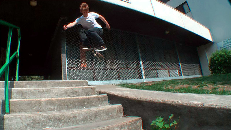 Adrien - Hardflip drop in - Grenoble.jpg